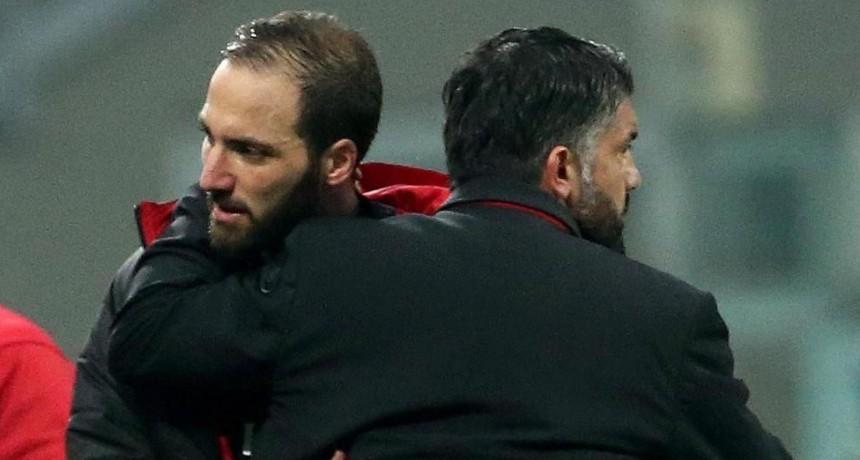 Higuaín ya se despidió del Milan