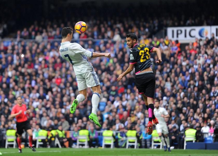 El Real Madrid derrotò al Espanyol (2-0)