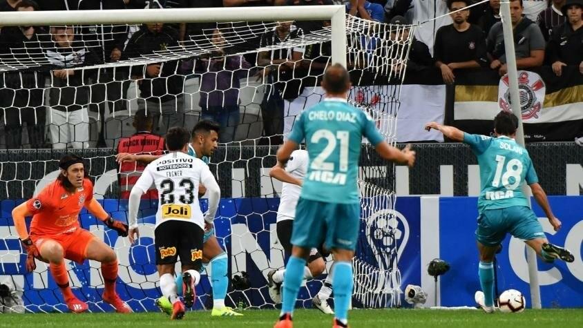 Racing igualo ante el Corinthians
