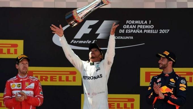 Fórmula 1: Lewis Hamilton se quedó con la victoria en España