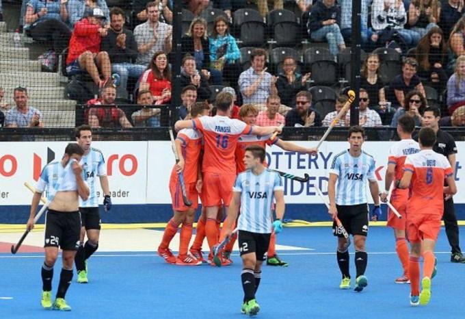 Los Leones cayeron por goleada ante Holanda en la final de la Liga Mundial