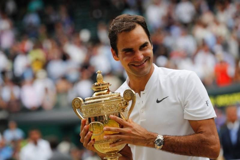 Federer ganó su octavo título en Wimbledon y sin perder un set