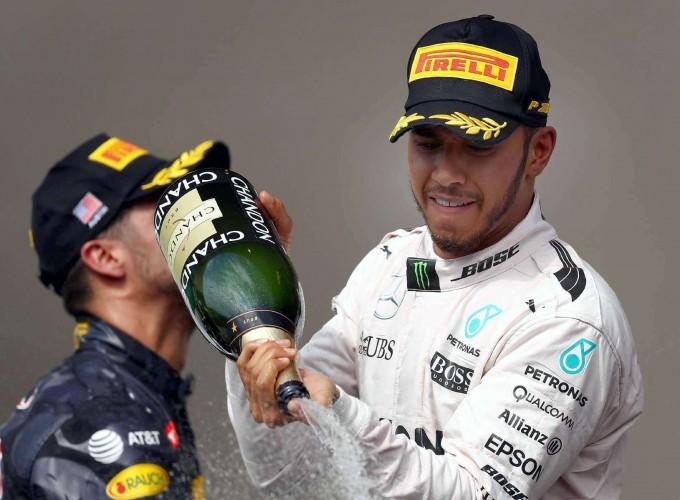 Fórmula1: Hamilton festejó su triunfo 50°