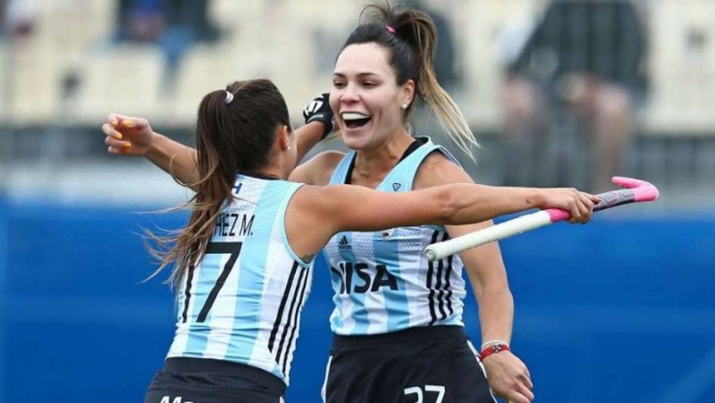 Las Leonas tuvieron un debut triunfal y ganaron por goleada