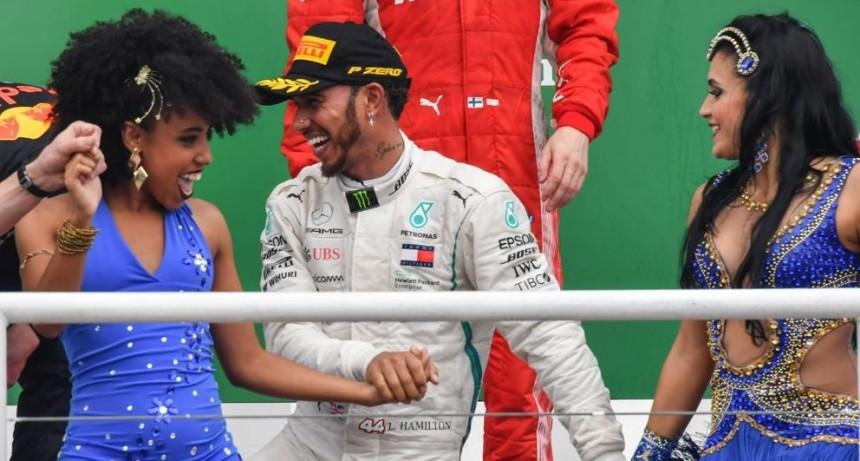 Hamilton obtiene su quinto título mundial con Mercedes