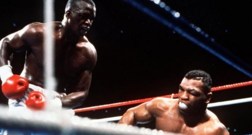 Un dìa como hoy Tyson perdió el invicto ante Buster Douglas