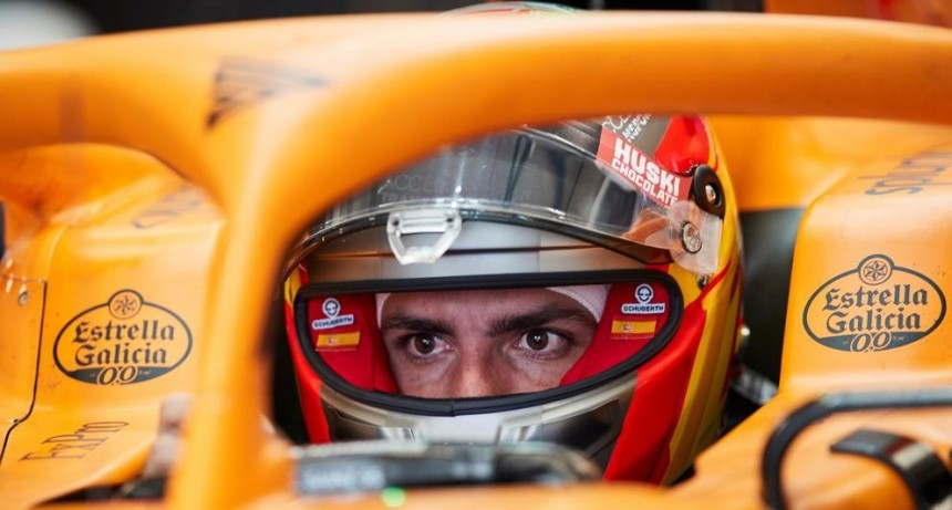 Carlos Sainz debuta como piloto virtual