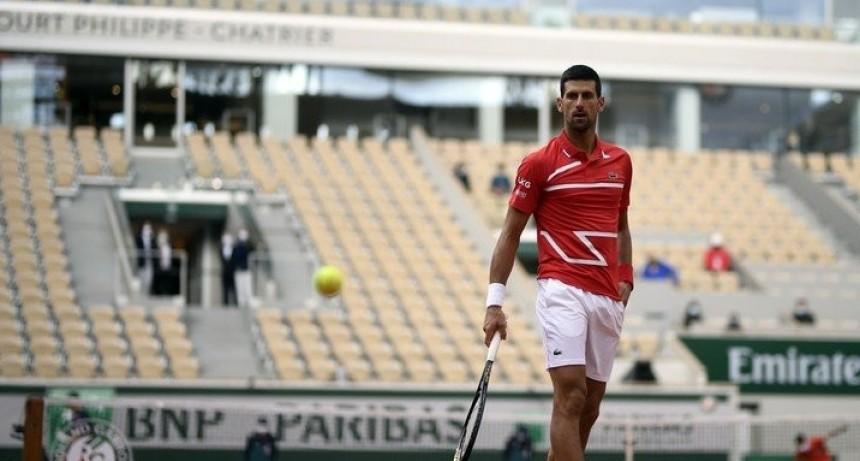 Triunfo aplastante de Djokovic y un rival inesperado