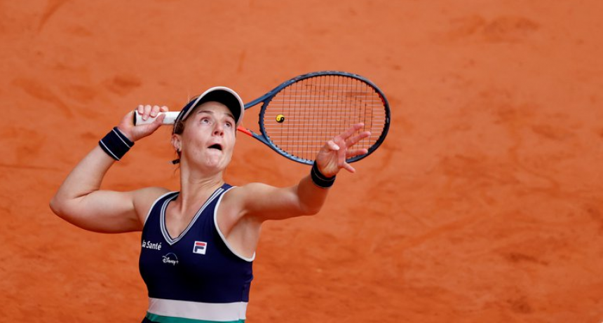 Nadia Podoroska se despidió de Roland Garros al perder ante Iga Swiatek