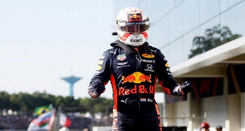 Verstappen se quedó con la pole en Brasil