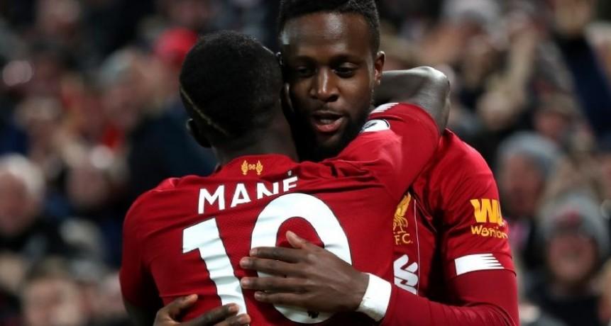 Liverpool goleó al Everton y se quedó con el Derbi de Merseyside